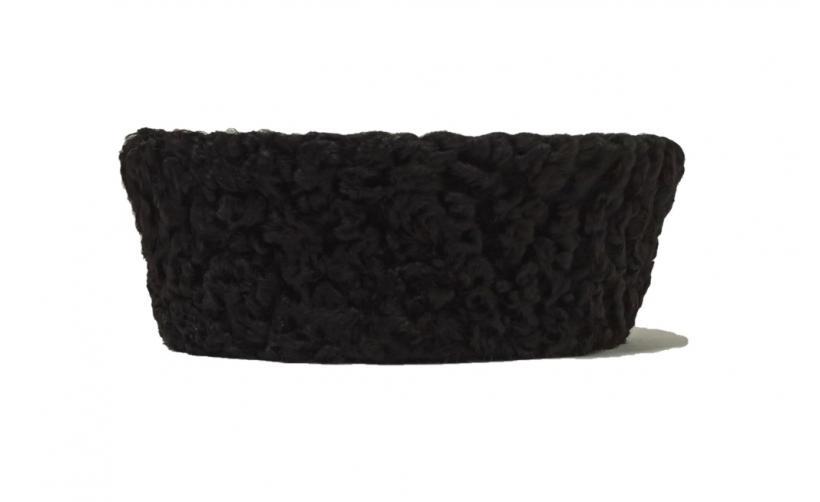 Карабинка из черного каракуля Яглич